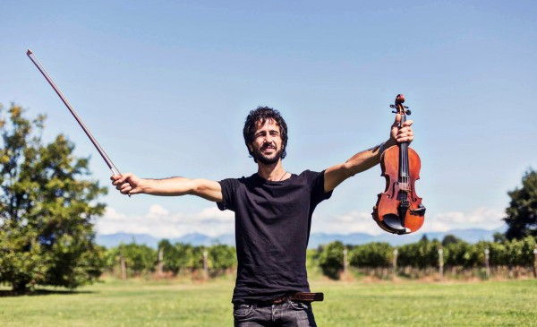 A violin fleeing from Syria