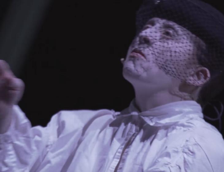 Lo spettacolo della coesione: Hamlet Solo
